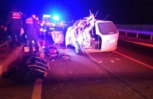 Kavşakta dönen TIR'a otomobil çarptı: 3 ölü, 5 yaralı