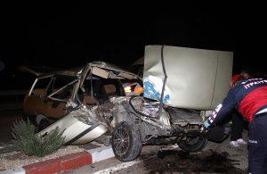 Otomobil minibüse arkadan çarptı:1 ağır yaralı
