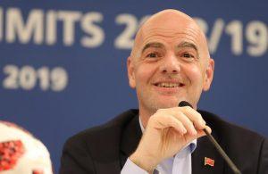 FIFA Başkanı Infantino: 2022 FIFA Dünya Kupası, dolu statlarda oynanacak