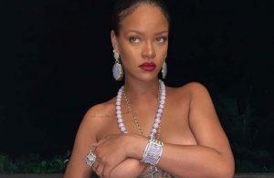 Rihanna'nın üstsüz fotoğrafı ülkeyi ayağa kaldırdı
