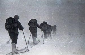 62 yıl önce 9 öğrencinin öldüğü Dyatlov Geçidi'ne giden 8 kişi kayıp
