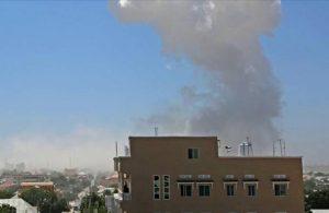 Somali'de parlamento binasının önünde patlama