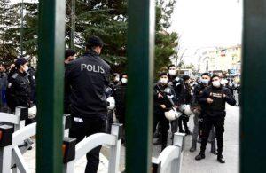 Boğaziçi Üniversitesi önündeki protestoya polis müdahalesi: Gözaltılar var!