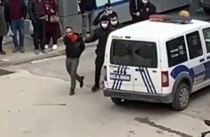 16 yaşındaki kızını sokakta bıçakladı!