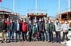 Başkan Aras günlük gezi yapan denizcilerle bir araya geldi