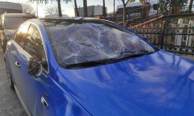 Para almadığı dayısının arabasını parçaladı: Demir çubuklu saldırıya uğrayarak yaralandı