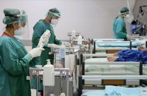 Yüzlerce sağlık çalışanı istifa etti