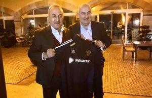 Çavuşoğlu'nun Rusya Milli Takımı antrenörüyle benzerliği sosyal medyada gündem oldu