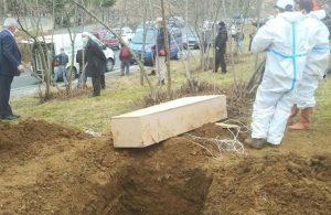 Cenazeler karıştı, koronadan ölen kişiyi görenler karantinaya alındı
