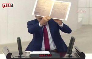 CHP'li Adıgüzel Meclis'te ihanet bildirisini gösterdi: 'Eğer buna katılan varsa, katlayıp yaka cebine koysun'