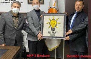 Devlet memuru AKP logosu hediye etti