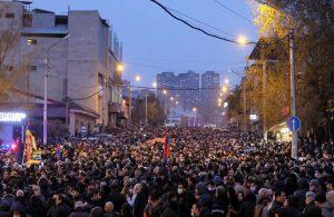 Erivan'da miting: Binlerce kişi katıldı