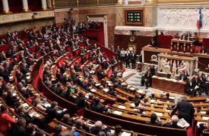 """""""İslamcılıkla mücadele"""" yasası Meclis'e geldi"""