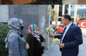Hatay Büyükşehir Belediye Başkanı'ndan üreticiye 14 Şubat desteği