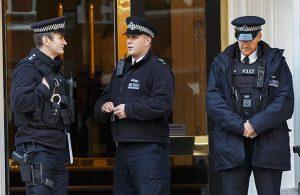 Polislerin suratına öksüren kadına rekor ceza