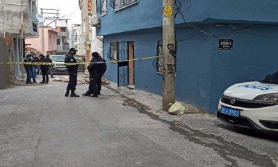 İzmir'de boğazı kesilerek öldürülen kadının oğlu tutuklandı