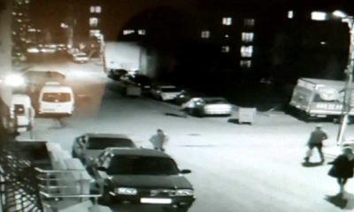 Ümraniye'de kaza: İki araç arasında kaldı