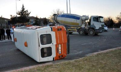 Ehliyetsiz sürücü, alkollü sürücüyle çarpıştı