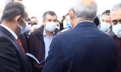 Kılıçdaroğlu'nu görünce yazdığı şiiri okudu