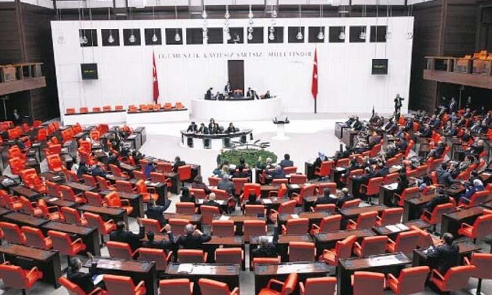 AKP'li vekillerin imzasını taşıyan teklif komisyondan geçti