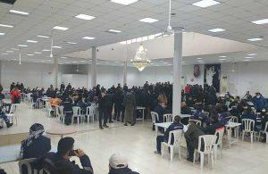 AKP'ye geçen belediye, 700 işçiyi binaya sokmuyor