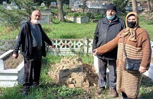 Sakarya'da akıl almaz olay: Mezar taşları çalındı
