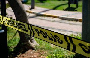 Bir kadın cinayeti daha: Elleri kelepçeli, boğazı kesilmiş halde ölü bulundu