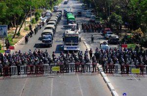 Myanmar'da güvenlik güçleri, Suu Çii'nin parti binasını bastı