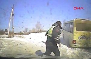 Ehliyetsiz sürücü ile polis arasında film sahnelerini aratmayan kovalamaca