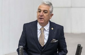 CHP'li Milletvekili Teoman Sancar, partisinden istifa etti