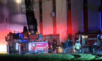 Tuzla'da et üretim tesisinde yangın: 1 işçi dumandan etkilendi