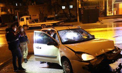 'Dur' ihtarına uymayan hırsızlık şüphelisi polislere ateş açtı: 1'i polis 2 yaralı