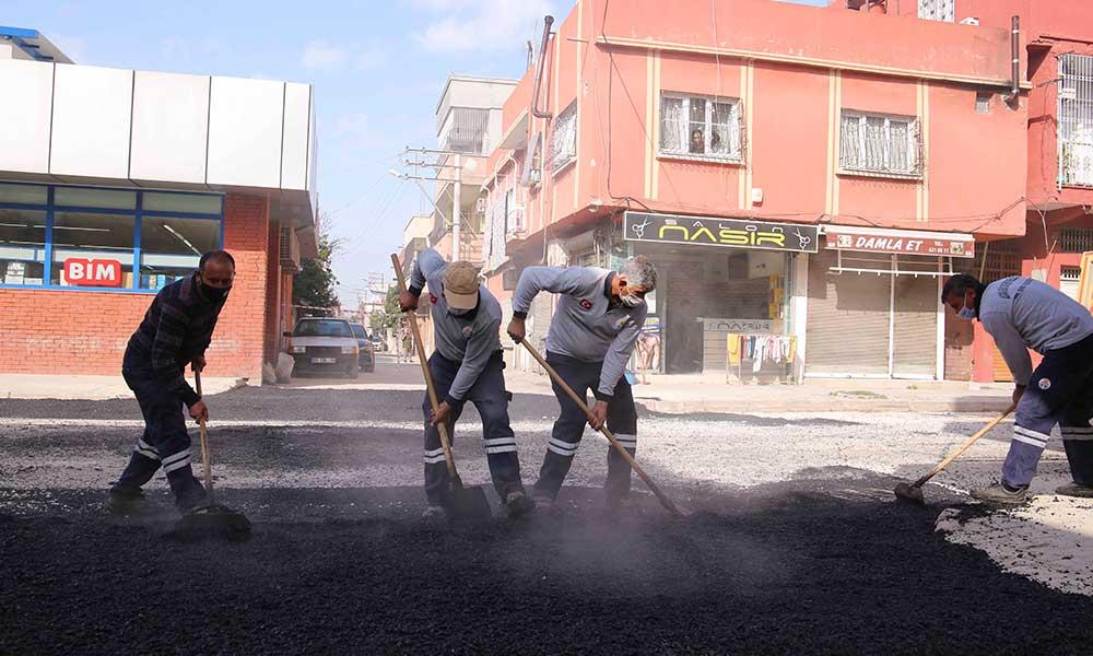 Adana'nın dört bir yanında birikmiş sorunları Başkan Zeydan Karalar çözüyor