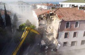 Büyükçekmece'de deprem riski taşıyan 8 bina yıkıldı