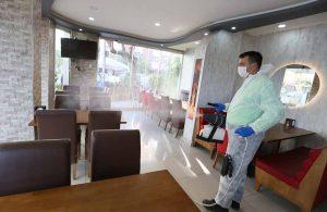 Efeler Belediyesi kapılarını yeniden açan işletmelerde önlem alıyor