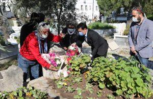 'Mavi Kadın' Saynur Gelendost mezarı başında anıldı