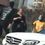 Sokak ortasında darp edilen kadının yardımına başka bir kadın koştu