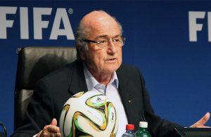 Eski FIFA Başkanı futboldan men edildi