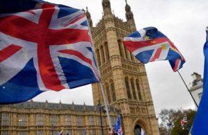 Dijital aşı pasaportu programına İngiltere'de dahil oluyor