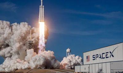 Japon milyarder uzay yolculuğuna eşlik edecek 8 kişi arıyor!