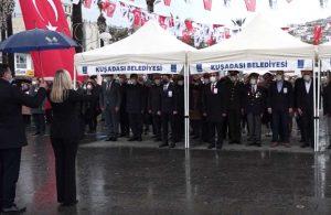 Kuşadası'nda Çanakkale Deniz Zaferi'nin 106. yılı törenle kutlandı