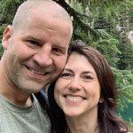 Jeff Bezos'tan boşanan MacKenzie Scott fen bilgisi öğretmeniyle evlendi