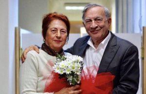 Seyhan Belediye Başkanı Akay'ın eşi koronavirüs nedeniyle hayatını kaybetti