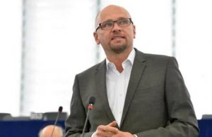 Slovakya Ekonomi Bakanı Sulik istifa etti