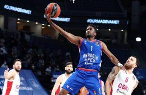 Anadolu Efes, CSKA Moskova'yı 30 sayıyla yendi
