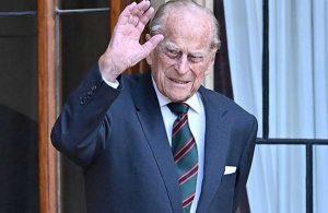 Enfeksiyon tedavisi gören Prens Philip başka bir hastaneye nakledildi
