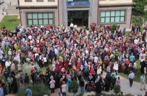 Çaresizliğin fotoğrafı: 200 kişilik iş ilanına 45 bin üniversite mezunu başvurdu