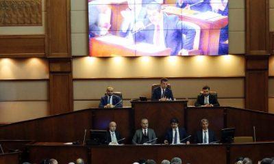 İBB'nin kadın protokolü AKP ve MHP'ye takıldı