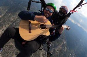 Ölüdeniz semalarında gitar dinletisi
