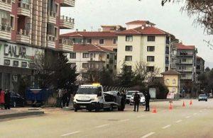 Duvara çarpıp devrilen otomobil, kaldırımdaki yayaları ezdi: 7 yaralı